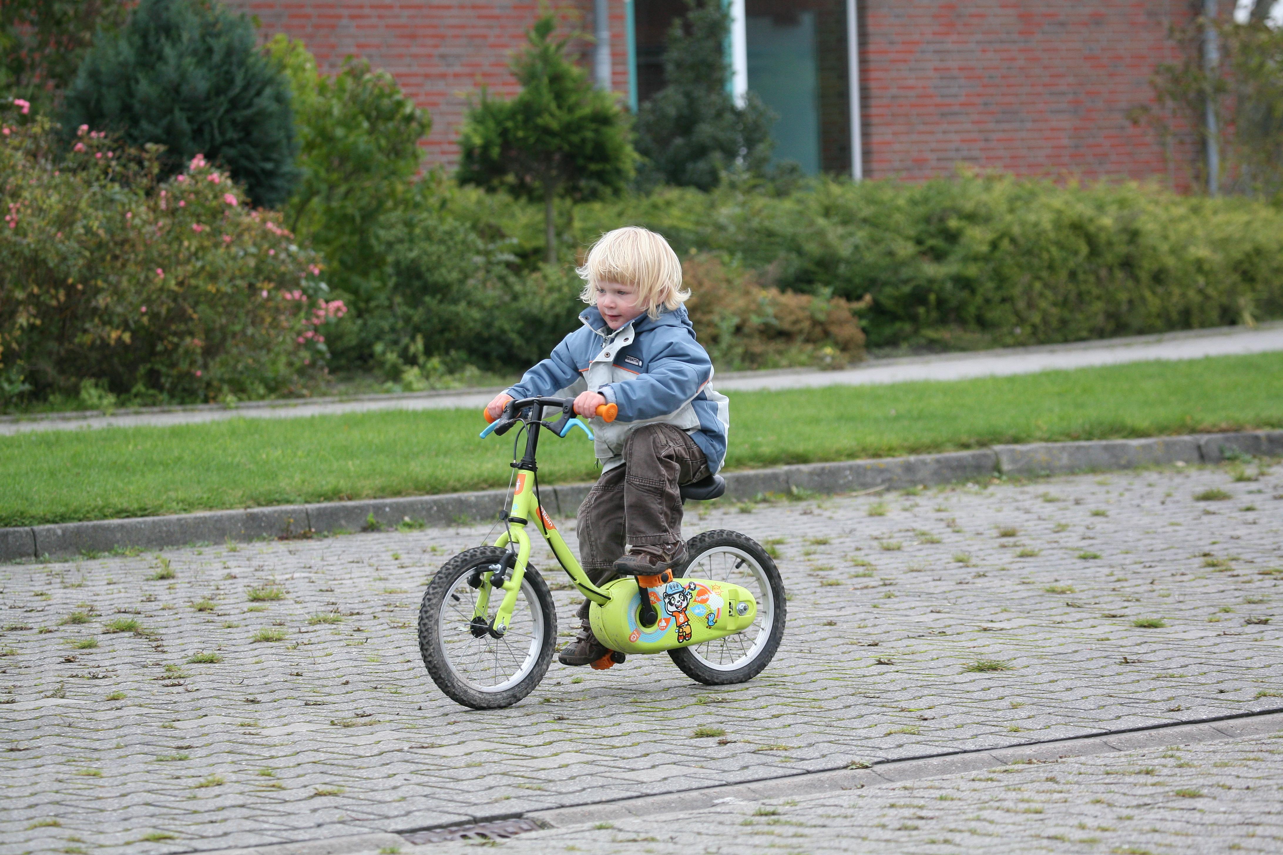 fahrrad fhren mit kleinkind